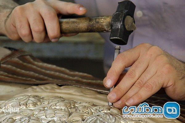 شناسایی نقوش اصیل قلمزنی و مقایسه با آثار ساسانی و هخامنشی