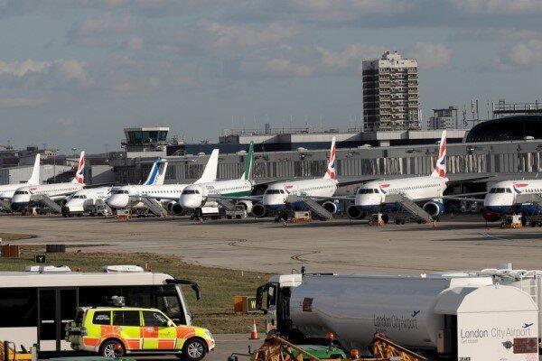 ممنوعیت پرواز لندن تمدید شد، چرا پروازهای کانکشنی متوقف نمی گردد؟